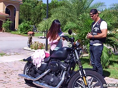 Two Arab Bitches Julianna Vega And Mia Khalifa Share A Cock