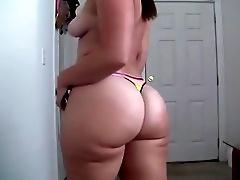Big Ass White Girl: Cei