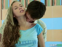 Breathtakingly Sexy Body On A Teen Making Love To Her Man
