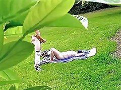 Dickflash Jerk For Nude Sunbathing Milf Free Porn