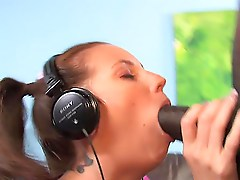 Vanda Lust Ends Up With A Mouthful Of Semen After Pov
