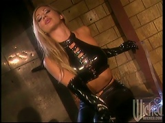 Latex Hotties Brittany Andrews And Serenity Have Ffm Sex