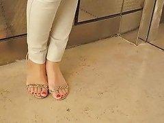 Israeli Elevator Toes Free Foot Fetish Porn D2 Xhamster
