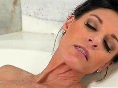 Masturbating Stepmom Caught In The Bathtub Free Hd Porn Ba