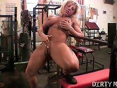 Female Muscle Blonde Rubs Her Big Clit