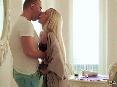 Lovemaking In The Morning With Sensual Blonde Lola Myluv