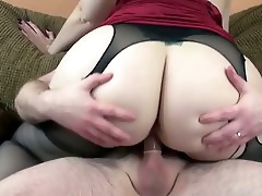 Eye Watering Cutie With A Jaw-dropping Booty Fucks Like A Boss