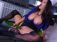 Busty Mature Knows Amazing Skills With Her Pussy And Mouth