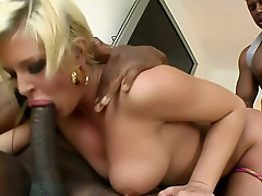 Buxom Blond Mommy With Fat Ass Pleases Two Beefcake African Studs