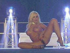 Busty Flexi Stepmom Naked On Stage Free Porn 62 Xhamster