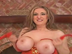 Mature Woman Kitty Lee Showing Her Huge Breasts And Horny Pussy Upornia Com