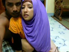 Cute Srilankan Young Wife Bends Over In Front Of Her Hubby