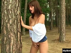 Busty Teen Getting Filmed Getting Off At The Forest