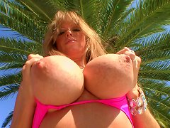 Blazing MILF With Big Tits Gets Cum In Mouth After Giving Enticing Blowjob