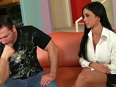Jewels Jade Likes To Swallow A Hot Cumshot Load In The Mouth