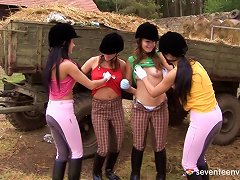 Crowd Of Kinky Girls Gets Wild Toy Fucking In This Outdoors Lesbians Orgy