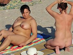 Voyeur Amateur Nude Beach Milfs Hidden Cam Close Up Porn Videos